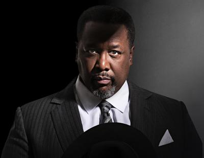 Wendell Pierce as Willy Loman in Death of a Salesman. Photo by Brinkhoff/Mögenburg